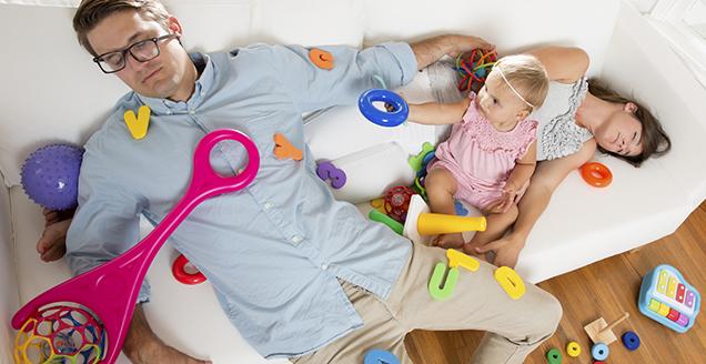 Efectele (ne)somnului bebelușului asupra părinților