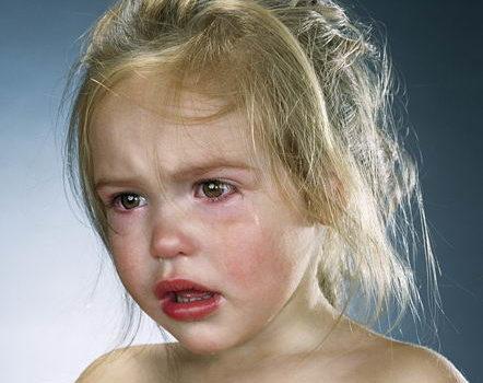 Nu mai plânge! vs Plângi până nu mai poți!