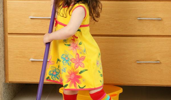 Provocările curăţeniei şi spray-ul vesel