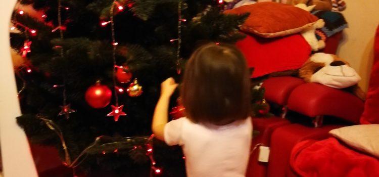 Primul Crăciun al lui Titel în familie