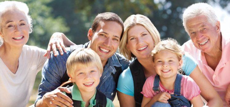 Adulţi care locuiesc cu părinţii