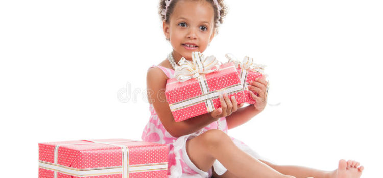 Dorin între zâmbete de păpădie și goana nebună după cadouri