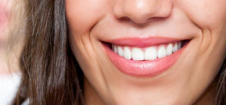 Zâmbetul, o poartă spre copilăria uitată