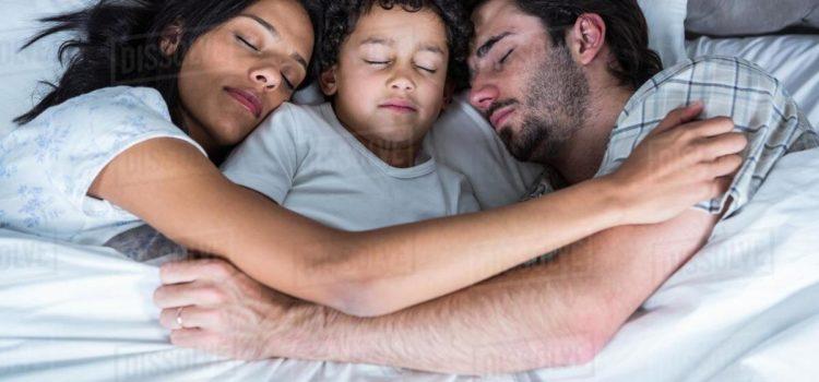 Trei povești și o îmbrățișare de noapte bună