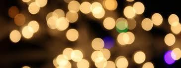 Acasă cu Titei dezbrăcați și luminițe magice